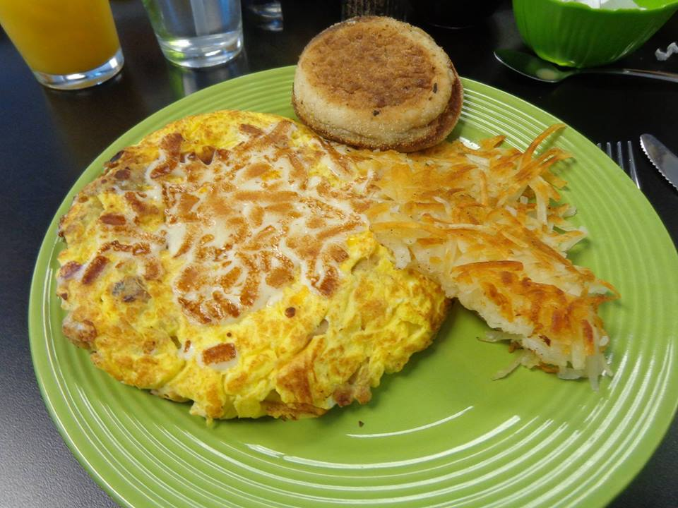 Omelet with Hashbrowns
